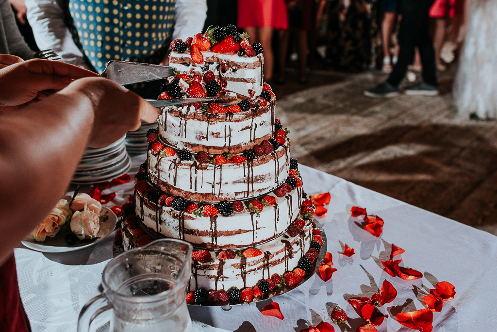 tort weselny, folwark u różyca, piotr czyżewski fotografia